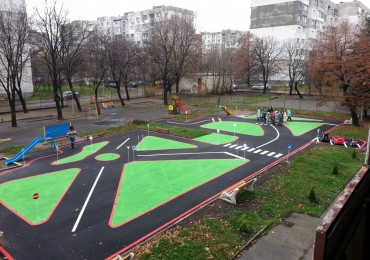 Construction of playgrounds for road safety in kindergartens and schools